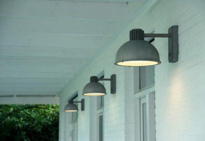 Raz Frezoli buitenlamp 816 industriele wandlamp zink finish