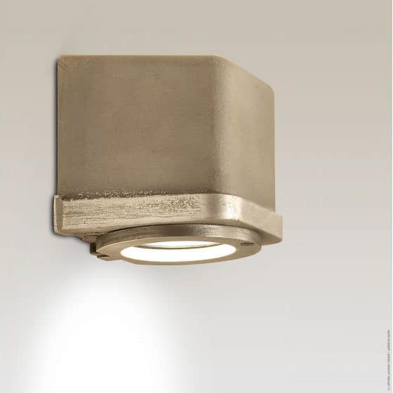 Sizz Frezoli buitenlamp 824 zink finish wandlamp industrieel in webwinkel en showroom bij TuinExtra