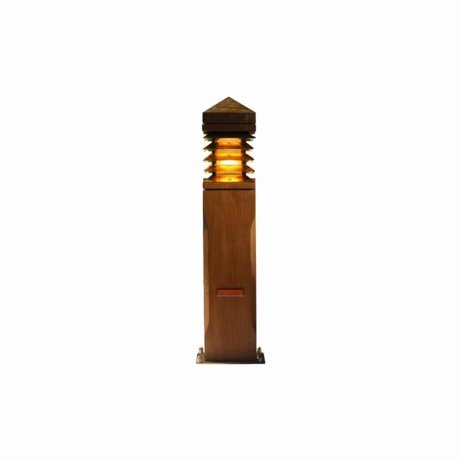 Lighthouse 40 cm teak LIG40 Royal Botania: voordelig in webshop maar ook showroom met uniek assortiment buitenverlichting en brievenbussen
