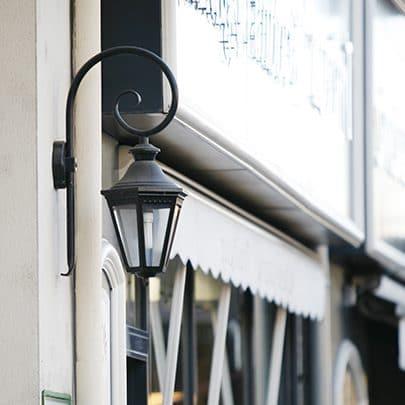Wandlamp krul Victoria Roger Pradier VI1903 zwart