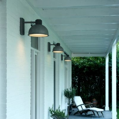 Frezoli verlichting buitenlamp Raz 816.1.800 zink finish bij TuinExtra in showroom en webshop.